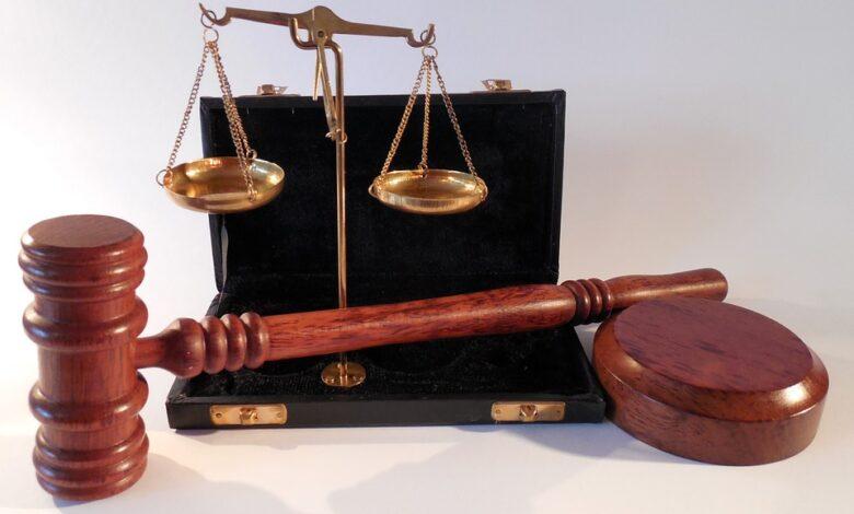 محامي متخصص في القضايا العسكرية